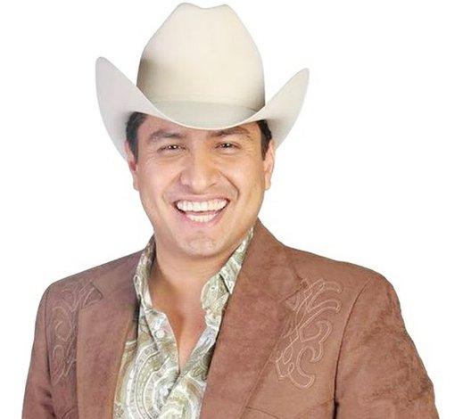 Julión armará la  fiesta en San Antonio