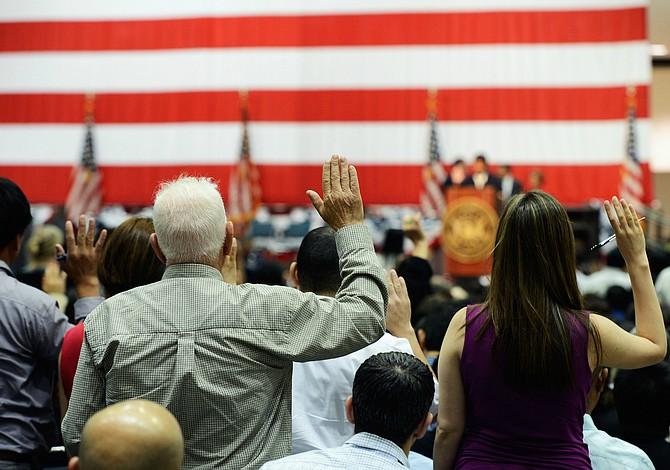 Convertirse en un ciudadano estadounidense durante la Semana de la Constitución