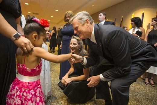 Gala de Milagros para niños contó con la presencia del gobernador Baker
