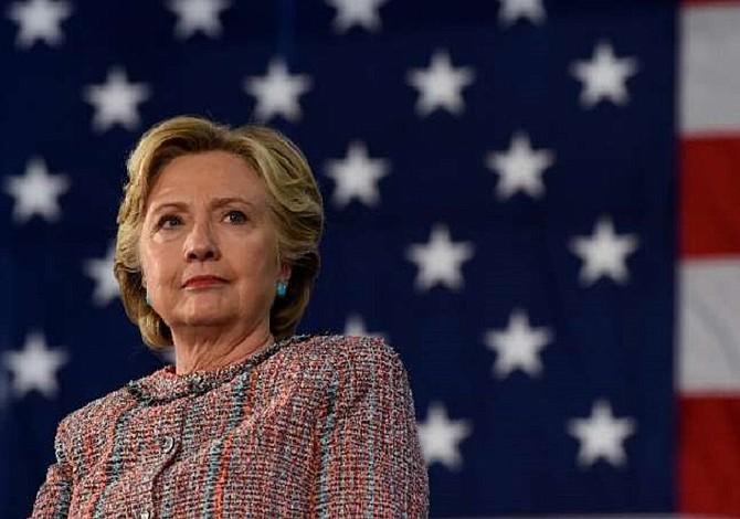 Wikileaks revela dudas y cálculos mezquinos del equipo de Clinton