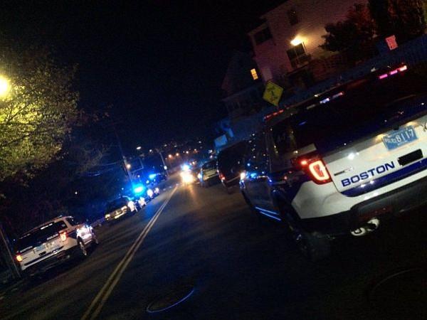 EAST BOSTON: Dos policías en condición crítica tras tiroteo en Orient Heights