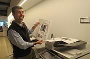 El lunes 24 de octubre, Fichter pudo observar una de las páginas de The Washington Post que salieron publicadas el día martes 25.