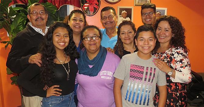 La familia Mejía cumple con la tradición