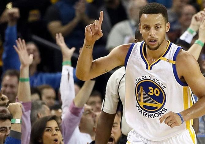 Stephen Curry asegura que Dwyane Wade podría jugar otro par de años en la NBA