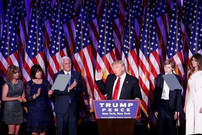 Obama llama a Trump para felicitarle por su victoria e iniciar la transición