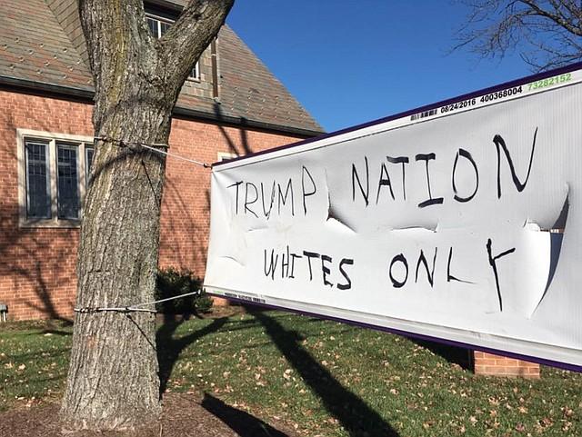 Lenguaje de odio sobre un letrero en español de una iglesia de Silver Spring.