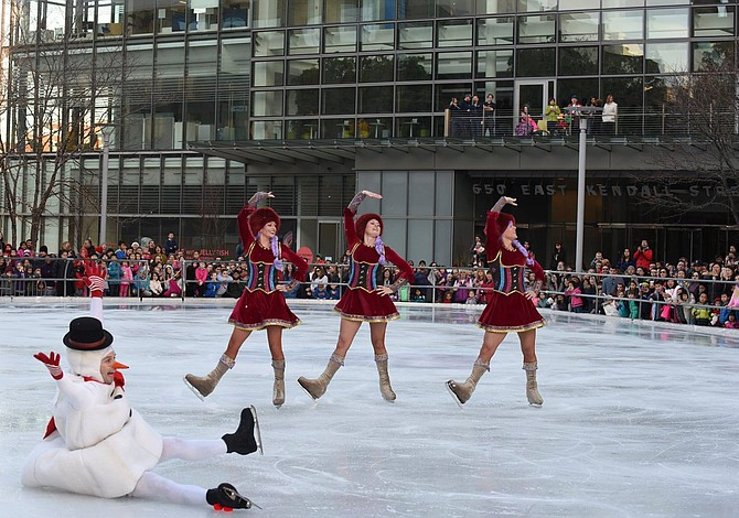 GRATIS: Patinaje sobre hielo y evento familiar en Kendall Square