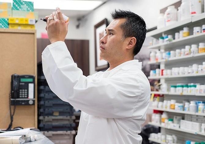 Enfermos… ¿y en bancarrota? Consumidores gastarán más en drogas en 2017