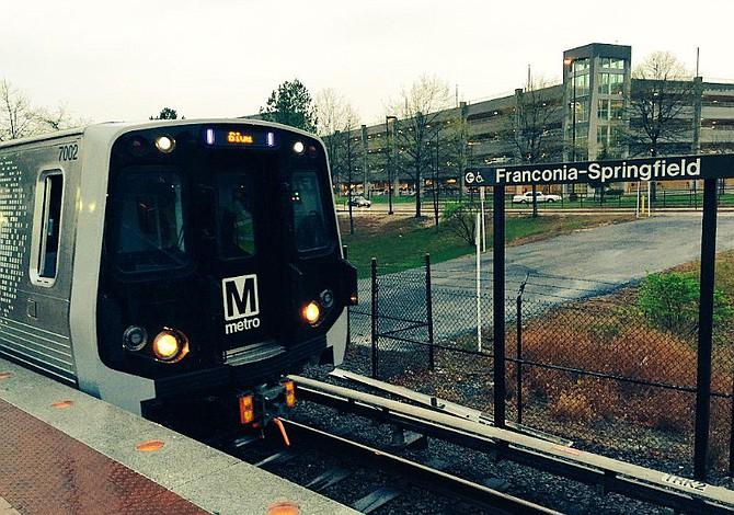 Metro alarma a gobiernos locales al pedir un billón de dólares adicionales para los próximos tres años