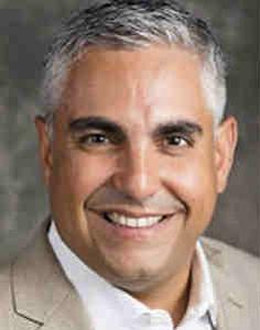 Gobernador Baker nombró a un latino para la Agencia de Financiamiento para el Desarrollo de Massachusetts