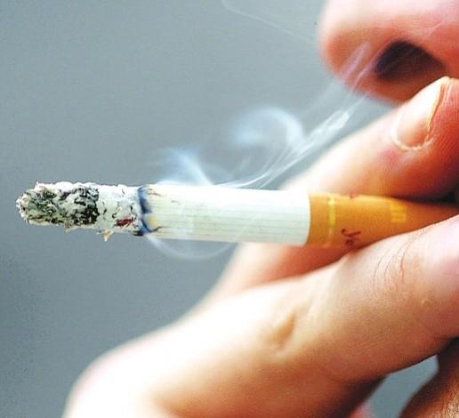 MA podría aumentar la edad para comprar tabaco a 21 años