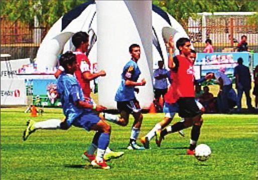 ACTIVOS. Niños jugando al fútbol en un torneo de Maryland.