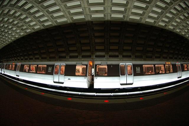 Metro ofrecerá Wi-Fi gratis en todas las estaciones subterránea