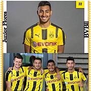 Junior Flores con compañeros del club alemán Borussia Dortmund.
