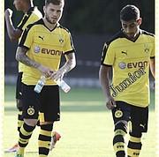 Junior Flores con el Borussia Dortmund.