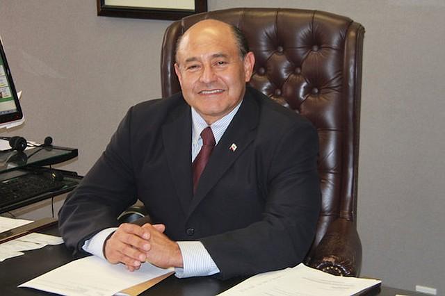 Rep. Lou Correa nació y creció en el distrito que representa.