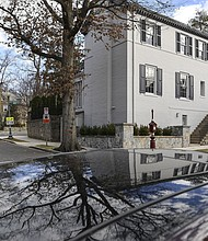 Esta casa en Tracy Place NW en el barrio Kalorama de Washington, D.C., fue comprador por Ivanka Trump and Jared Kushner.