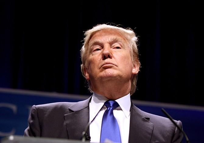 Trump parece suavizar su discurso de inmigración, aunque enfatiza los inmigrantes criminales
