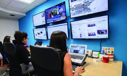 ESTRATEGIA. Desde el centro de control de Voto Latino se da seguimiento a la estrategia digital