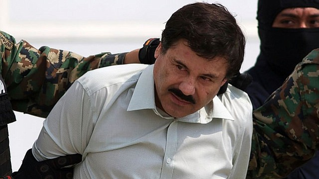 """México extradita a EEUU al capo de la droga Joaquín """"El Chapo"""" Guzmán"""