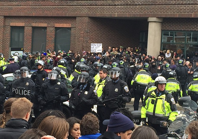 Resumen de las protestas contra la investidura de Trump en D.C.