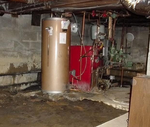 Los sótanos de las casas se pueden inundar. Mueva la infraestructura eléctrica y de gas a un piso más alto.