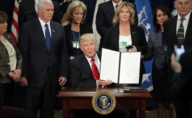 Trump firmó la orden para construcción inmediata del muro