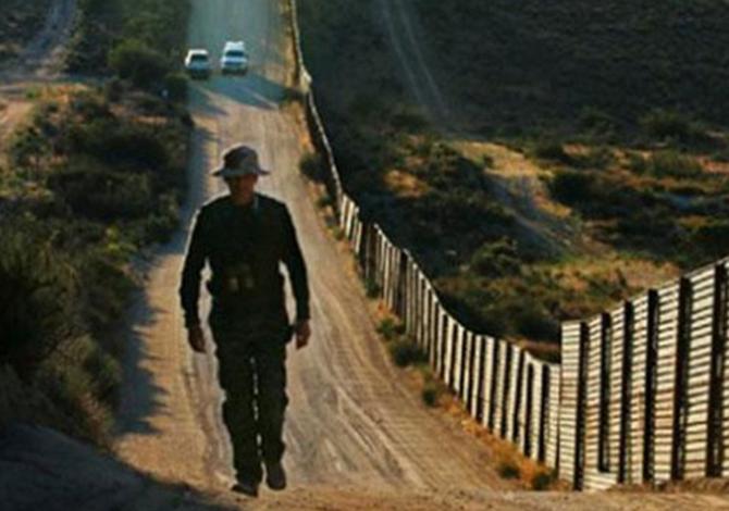 Trump firmará orden para construcción del muro con México