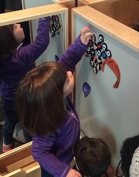 """Bajo el principio de que los niños aprenden a través del juego, """"Explore!"""" fue diseñado para dar a los niños la experiencia de aprender sin siquiera saber que lo están haciendo."""