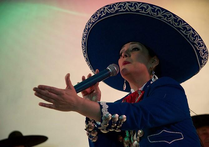 EAST BOSTON: Celebre San Valentín con una cena mexicana y un show de salsa