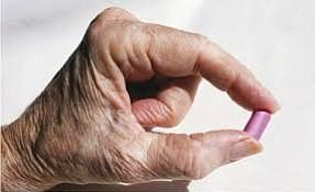 ¿Es bueno recetarles analgésicos a los adultos mayores?