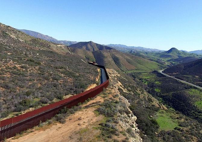 Muro en frontera con México ya está siendo diseñado