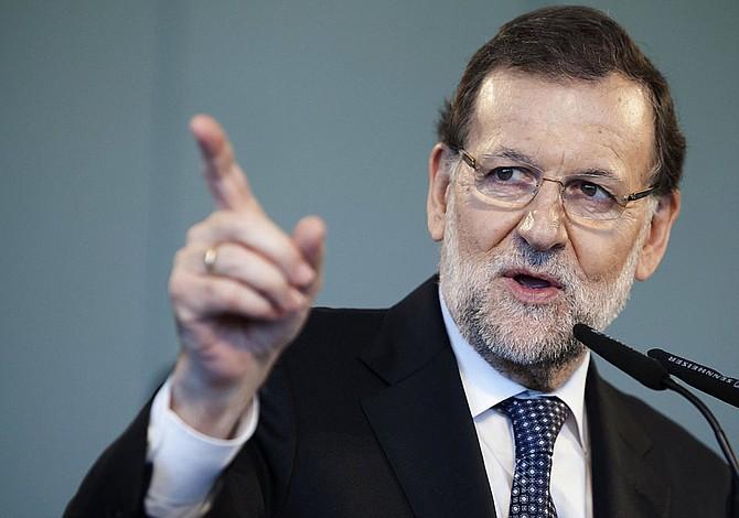 Rajoy ofrece diálogo al nuevo Gobierno catalán siempre dentro de la ley