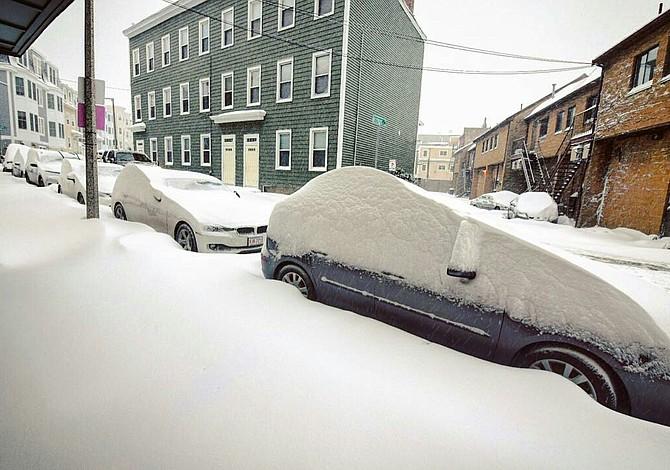 Se avecina más nieve, y podría haber otra gran tormenta este domingo