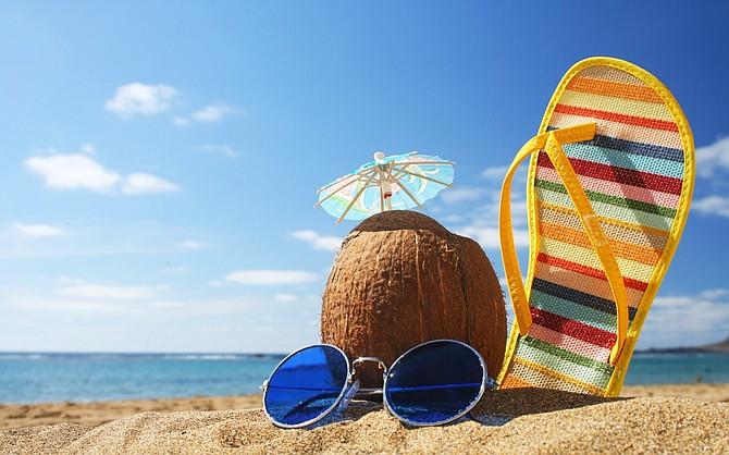 Disfruta de tus vacaciones a la orilla del mar.