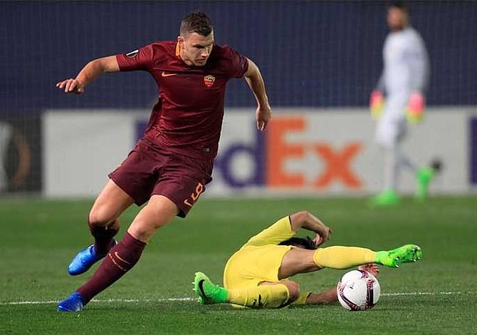 Roma da el gran golpe en Villarreal con triplete de Dzeko