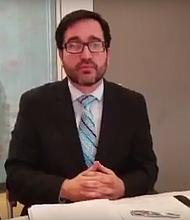 Julio Henríquez, abogado de inmigración