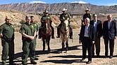 Senador Ed Markey junto a los senadores demócratas Ben Cardin (Md) y Jeff Merkley (Ore) en El Paso, una población fronteriza en Texas.