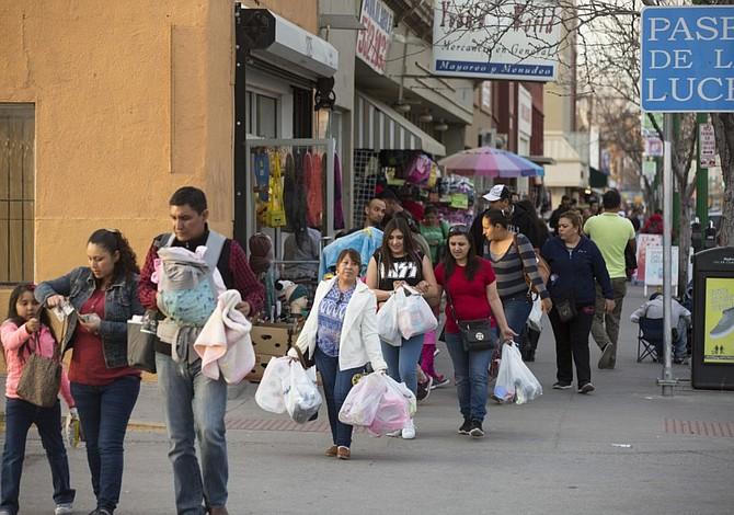 Ansiedad por políticas migratorias del Presidente Trump afecta flujo de compradores mexicanos a El Paso