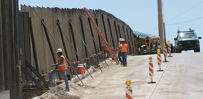 Iniciarán a construir muro fronterizo con dinero propio