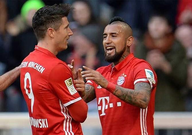 El Bayern Múnich vapulea al Hamburgo y afianza el primer puesto