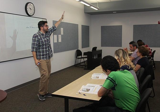 GRATIS: Clases de inglés, de cocina y de limpieza profesional para hispanos en Lawrence