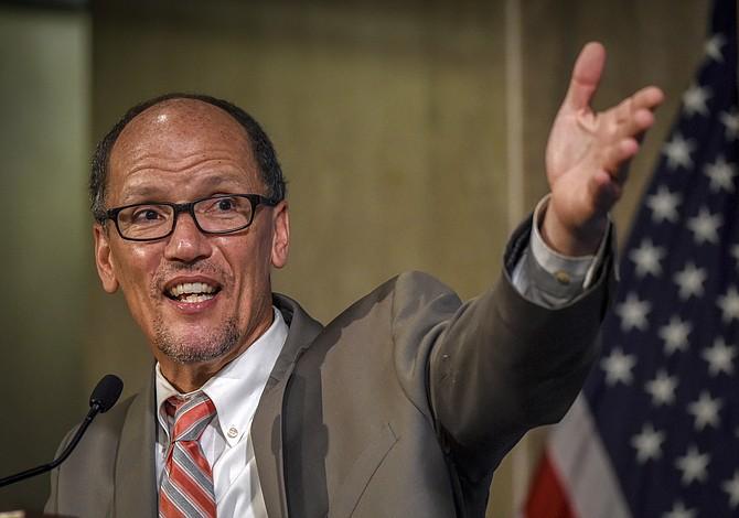 Tom Pérez fue elegido como primer líder latino del partido demócrata