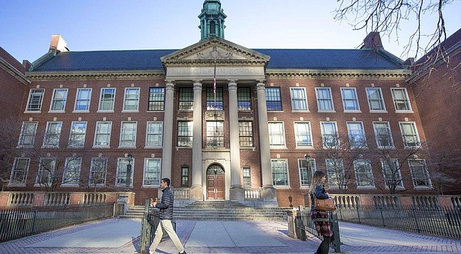 Boston Latin School entre las instituciones públicas con los mayores incrementos de graduados