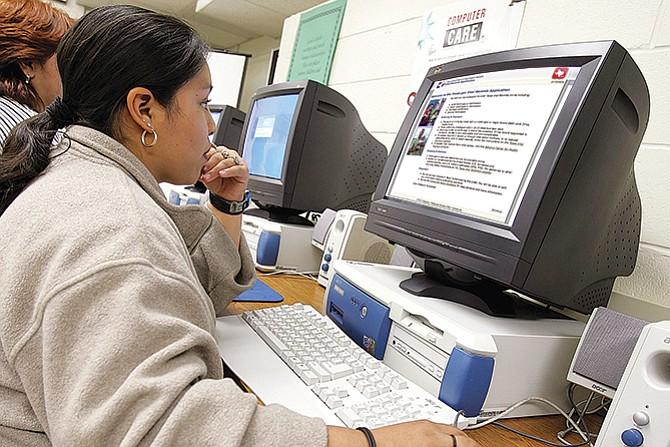 Puede solicitar en línea el certificado de nacimiento