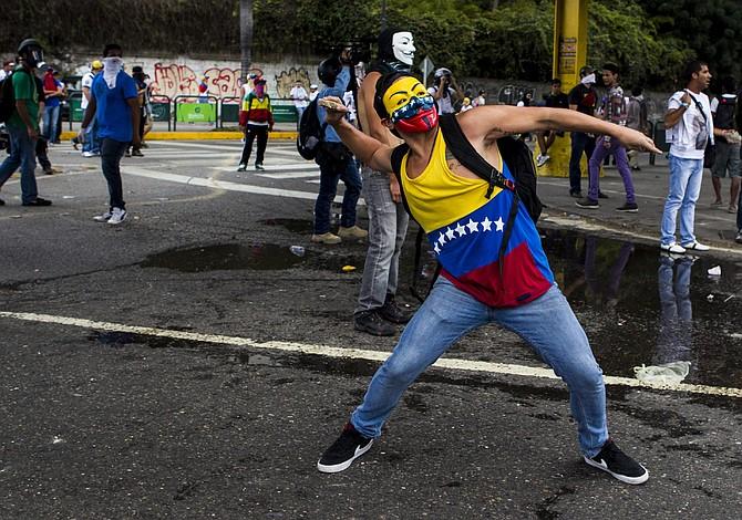 Senadores y expertos piden a Trump presionar OEA a aplicar Carta a Venezuela
