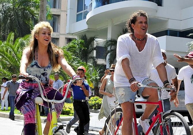 """¿Carlos Vives y Shakira plagiaron """"La bicicleta""""?"""