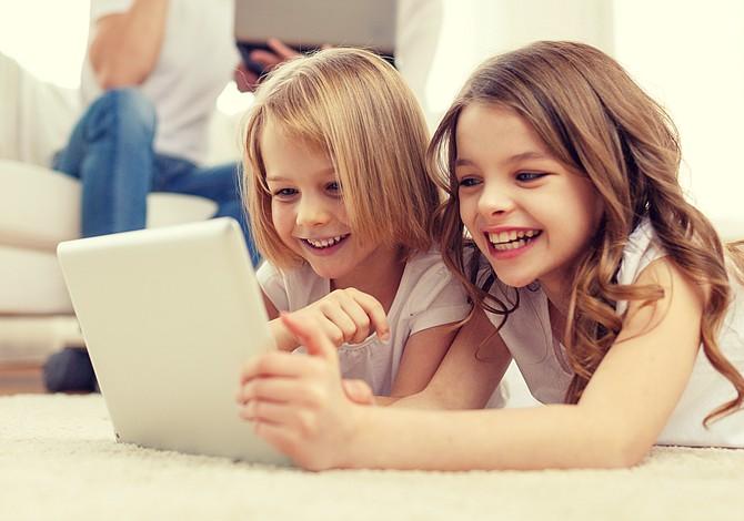 Consejos para acercar a los niños a la tecnología sin abusar de las pantallas