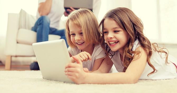 Enseñemos a los pequeños a usar conscientemente los aparatos digitales