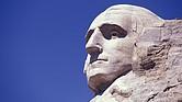 Escultura del rostro del primer Presidente de los Estados Unidos, George Washington, en el Monte Rushmore.